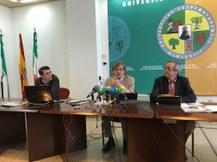 preview Rueda de prensa en el Rectorado de Badajoz