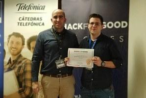Pedro José Clemente Martín, director de la Cátedra Telefónica UEx y Javier Rojo Martín, ganador del 1er premio HackforGood 2019