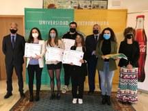 preview Ganadores junto a representantes institucionales